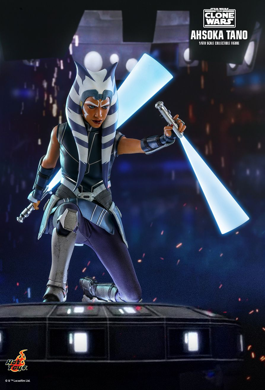 hot-toy-ahsoka-tano-sixth-scale-figure-03